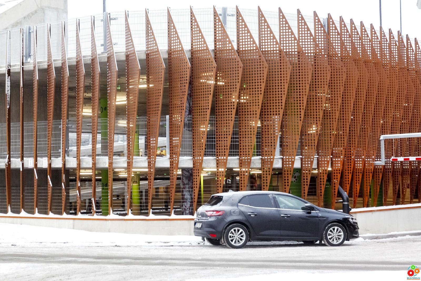 В Таллинне открылся уникальный парковочный дом