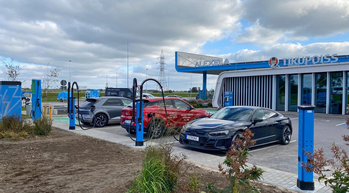 Alexela запускает собственную услугу зарядки электромобилей