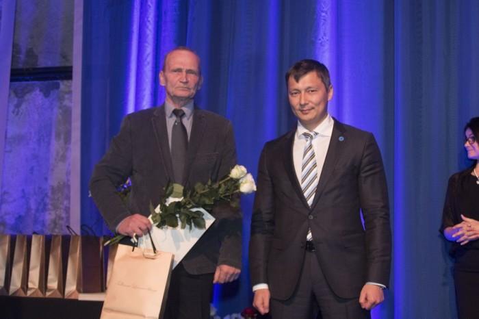Михаил Кылварт - председатель горсобрания, на праздничном приеме