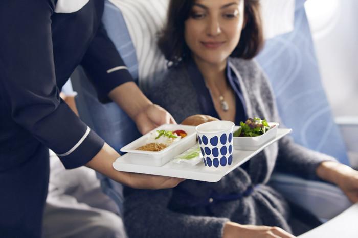 Finnair economy meal 01 Low
