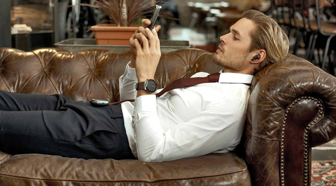 Стилист советует: Какая одежда лучше всего сочетается с современными смарт-устройствами