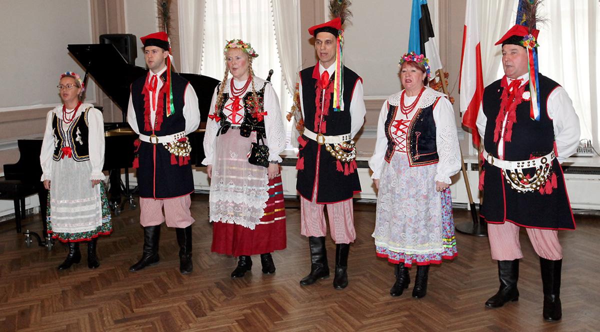 Молодежь и деятельность национально-культурных обществ.