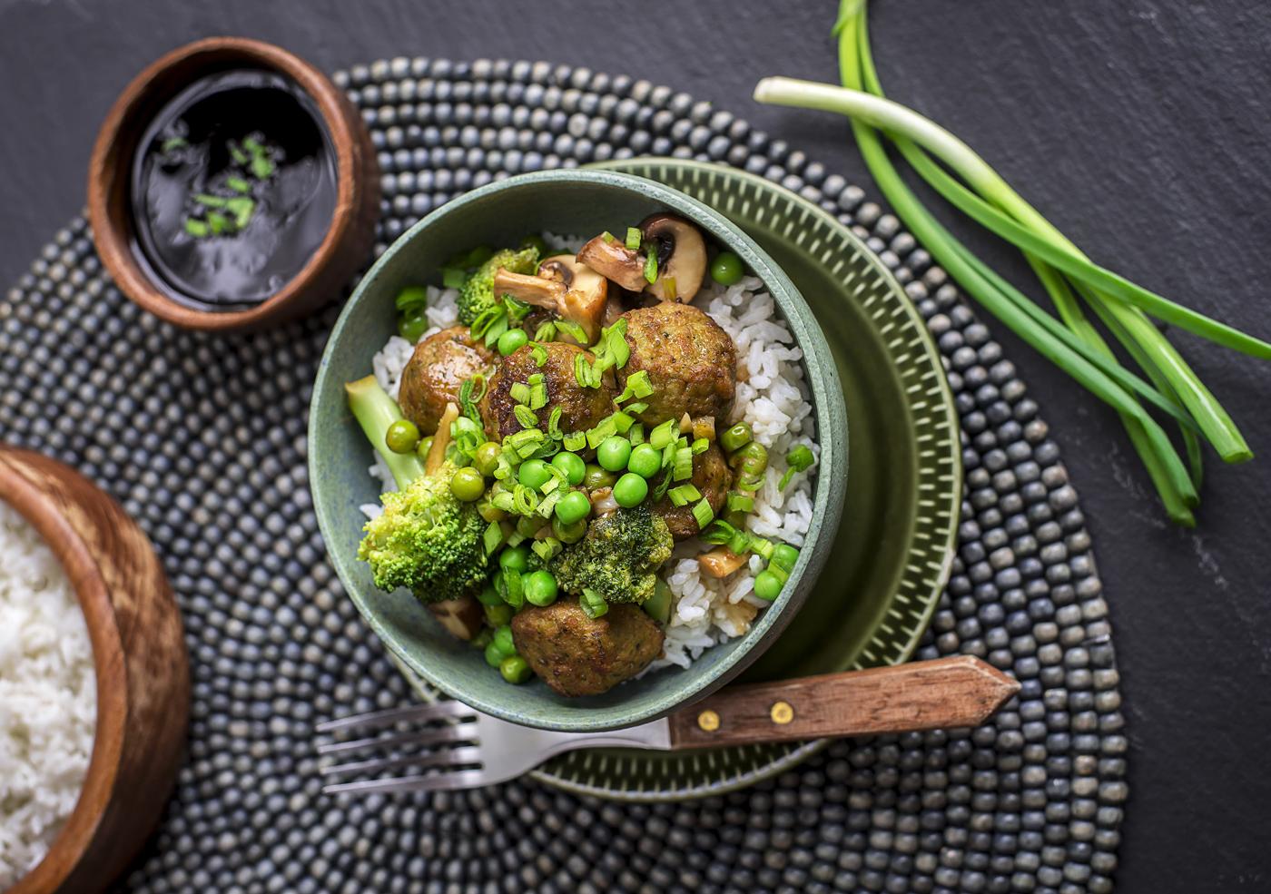 Рецепт от Rakvere: Мясные шарики с овощами и соусом терияки