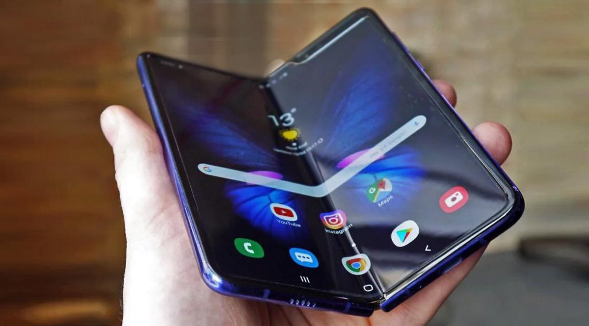 Опрос: боятся ли пользователи складных телефонов повредить экран?