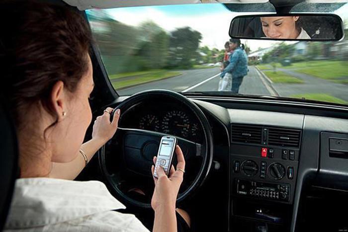 Tele2-car-telefon