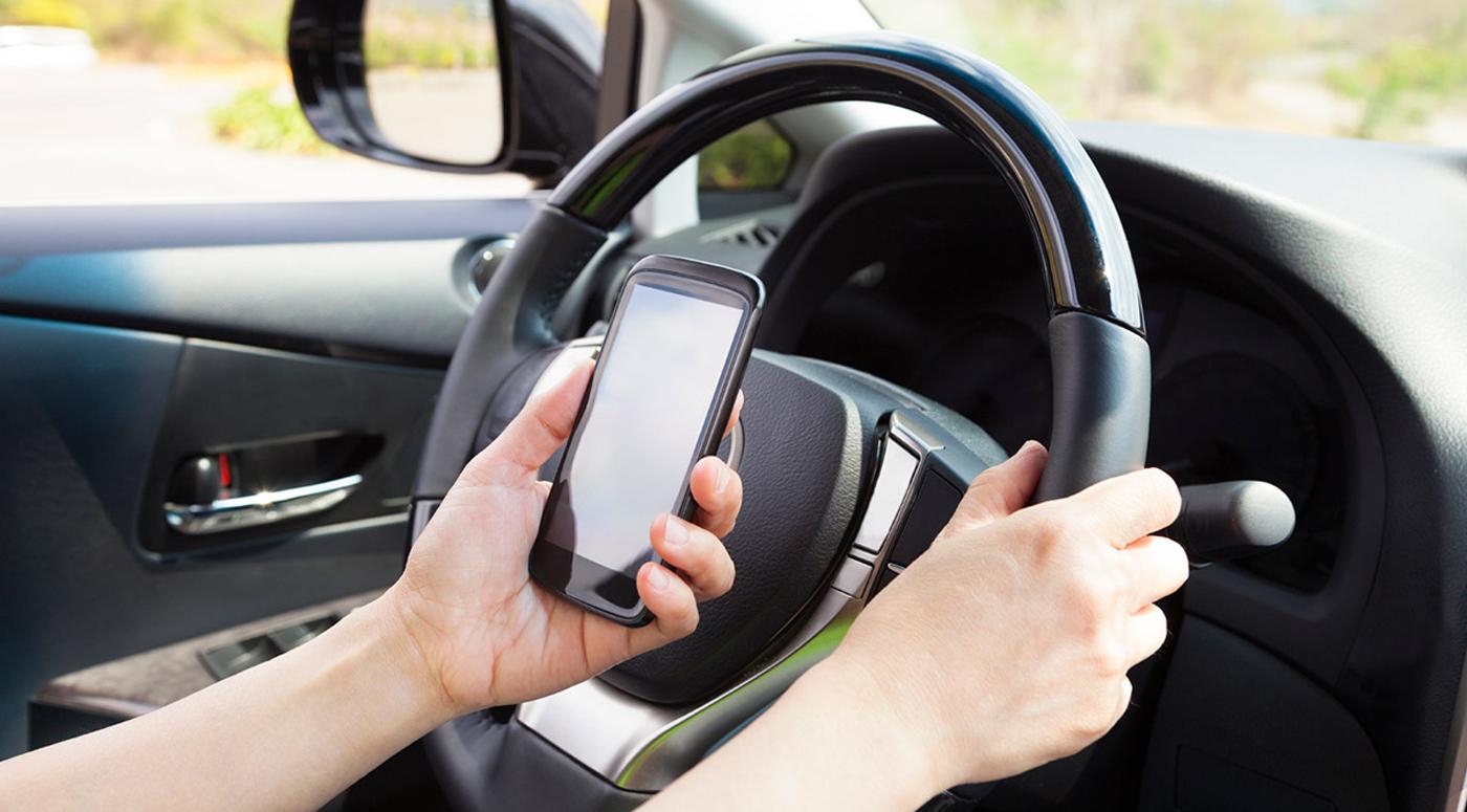 Исследование ERGO: каждый третий водитель за рулем читает сообщения