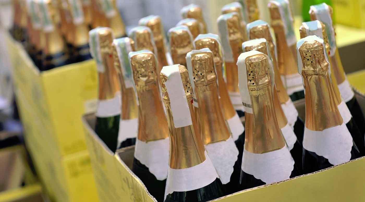 DPD: Шампанское и фейерверки для посылочных автоматов не подходят