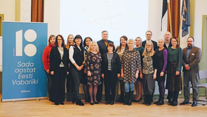 Участники первого двухдневного коучинга по основным навыкам для директоров школ