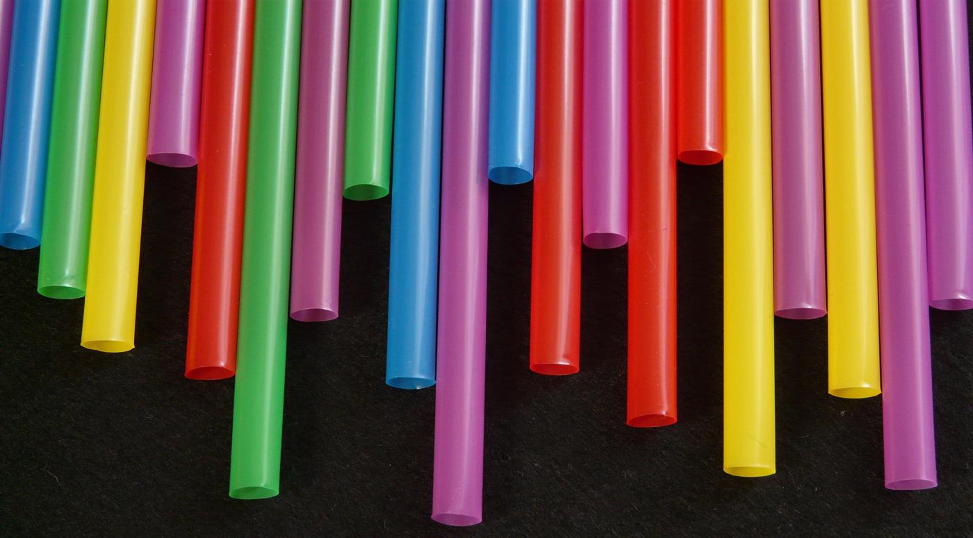 Компания Neste подписала в Брюсселе Европейский пакт о пластике