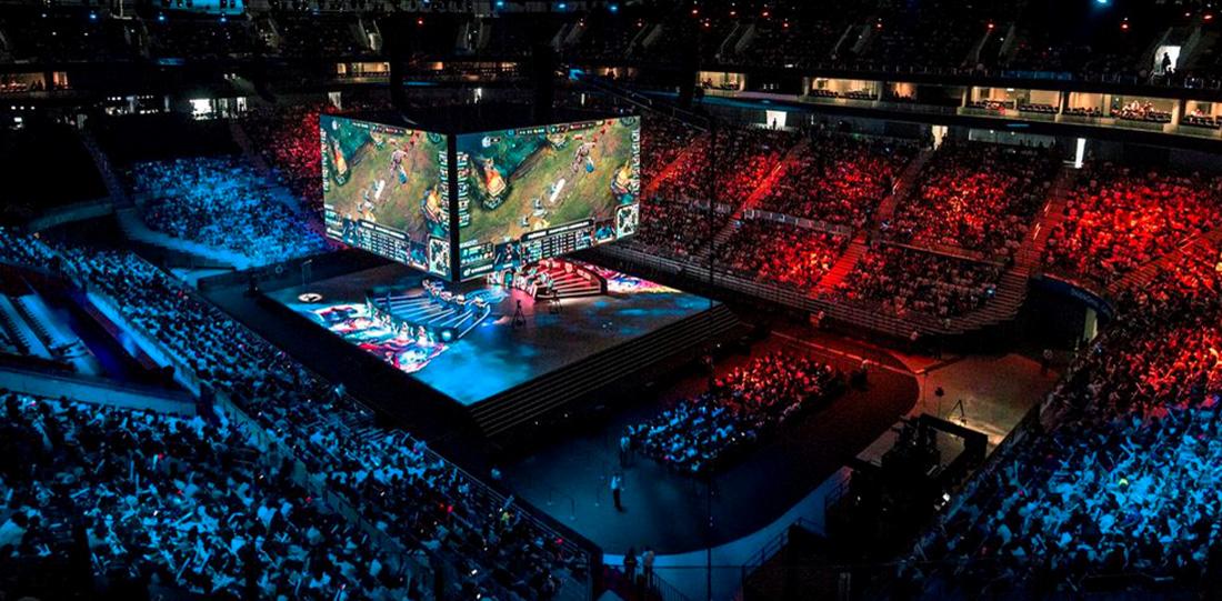League of Legends — прямая трансляция финала ЧМ в Coca-Cola Plaza