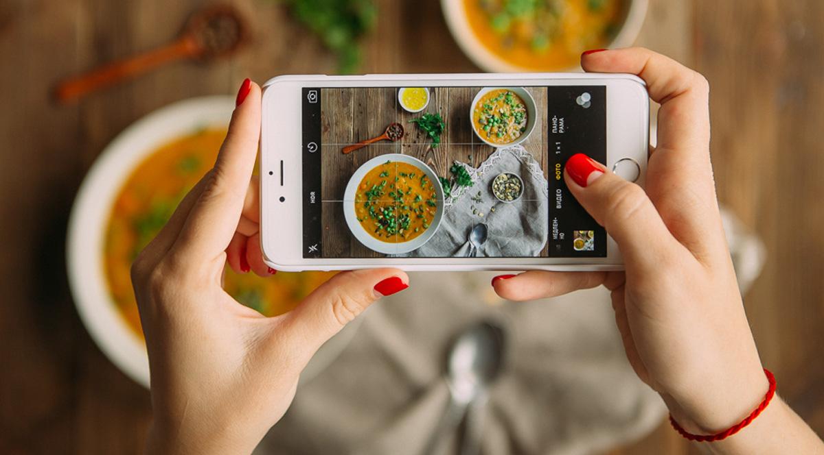 4 простых совета: как снять смартфоном еду особенно аппетитно