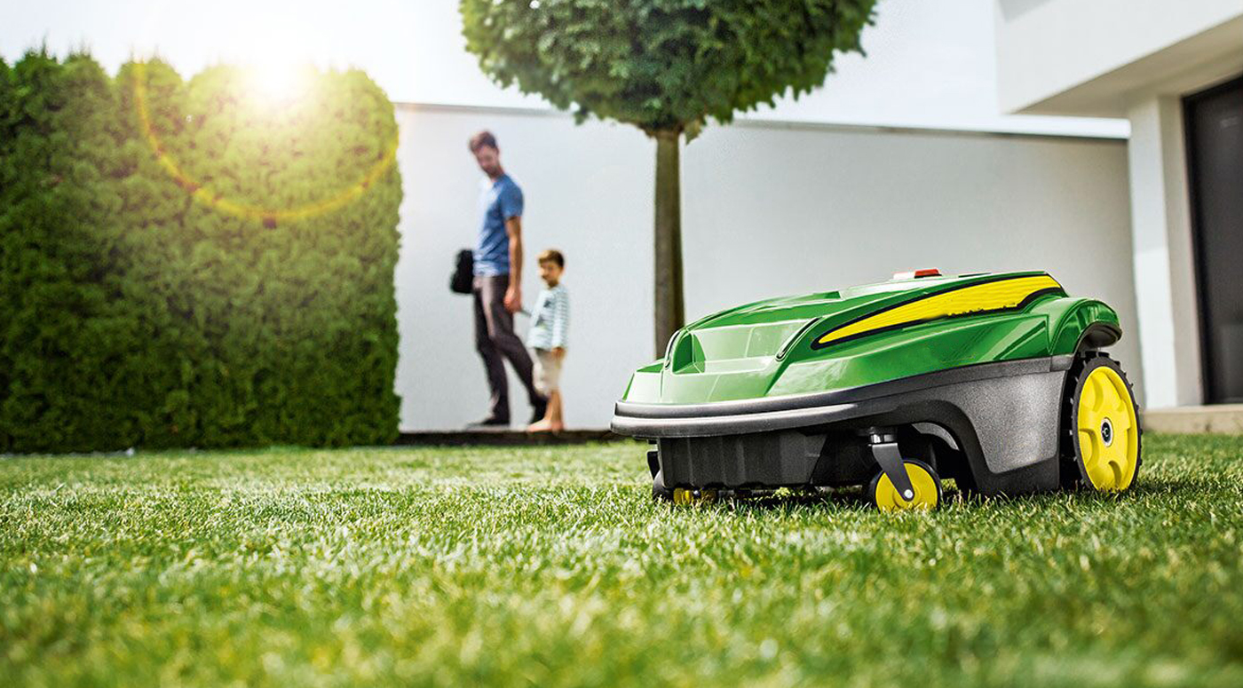 PZU Kindlustus: роботы-газонокосилки  могут попасть под колеса  автомобилей