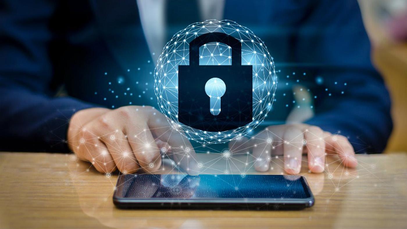 Специалист по кибербезопасности советует ученикам и учителям использовать анонимные аккаунты