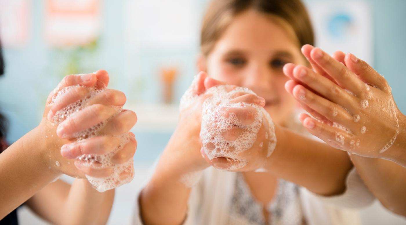 Аптекарь Benu: Мыло и вода против вирусного сезона
