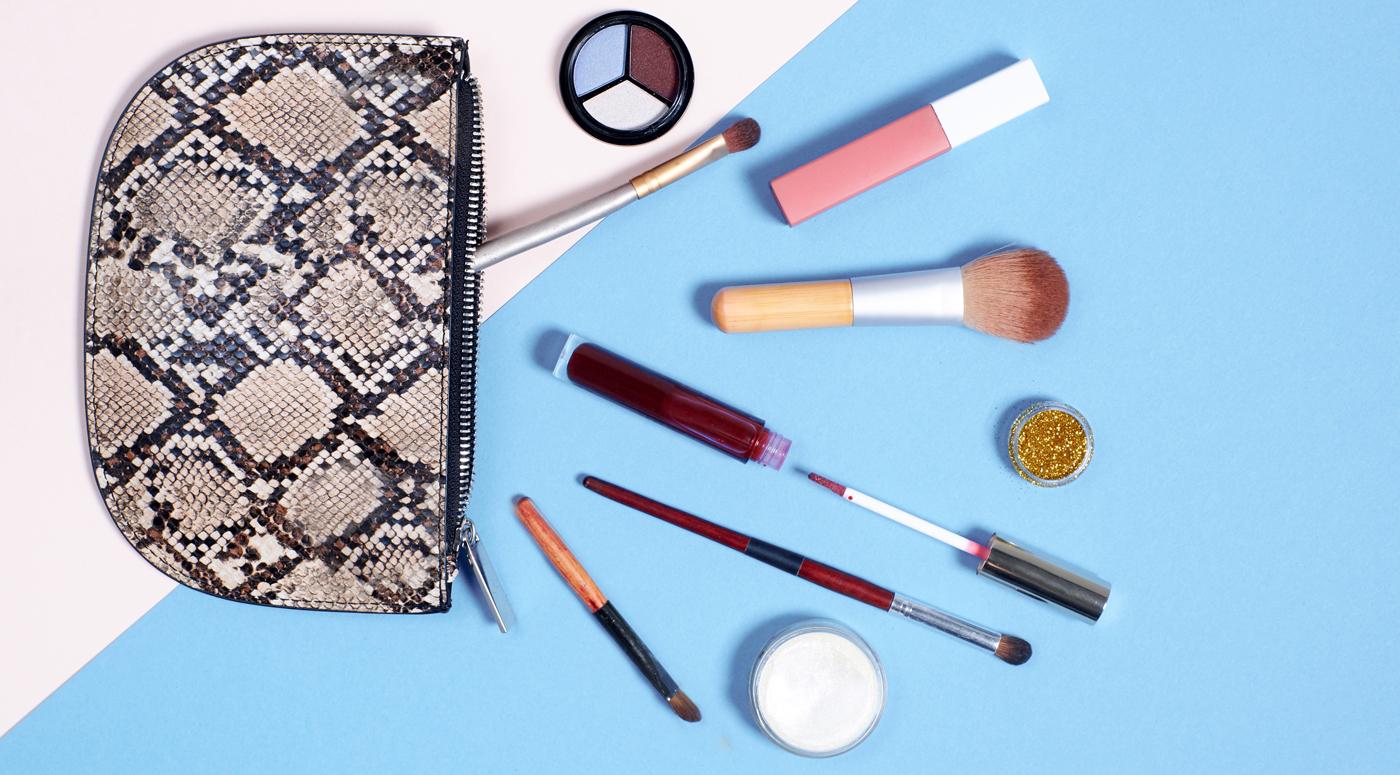 Бьюти-эксперт Artistry: Как провести весеннюю генеральную уборку в косметичке