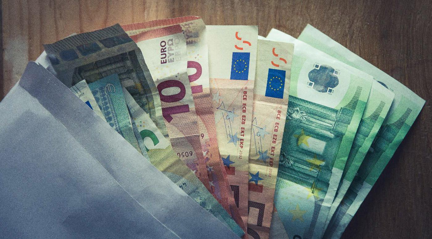 Союз банков предупреждает о мошенничествах, связанных с наличными